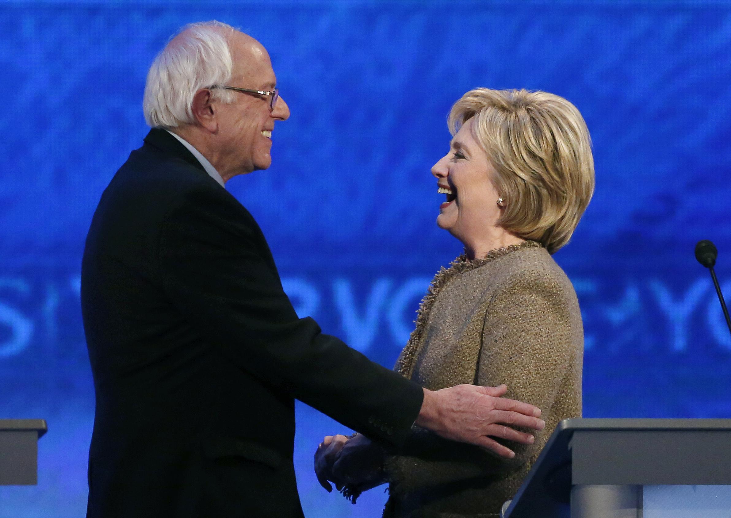US Democratic debate: Clinton makes 'Isis recruiter' jibe at Trump
