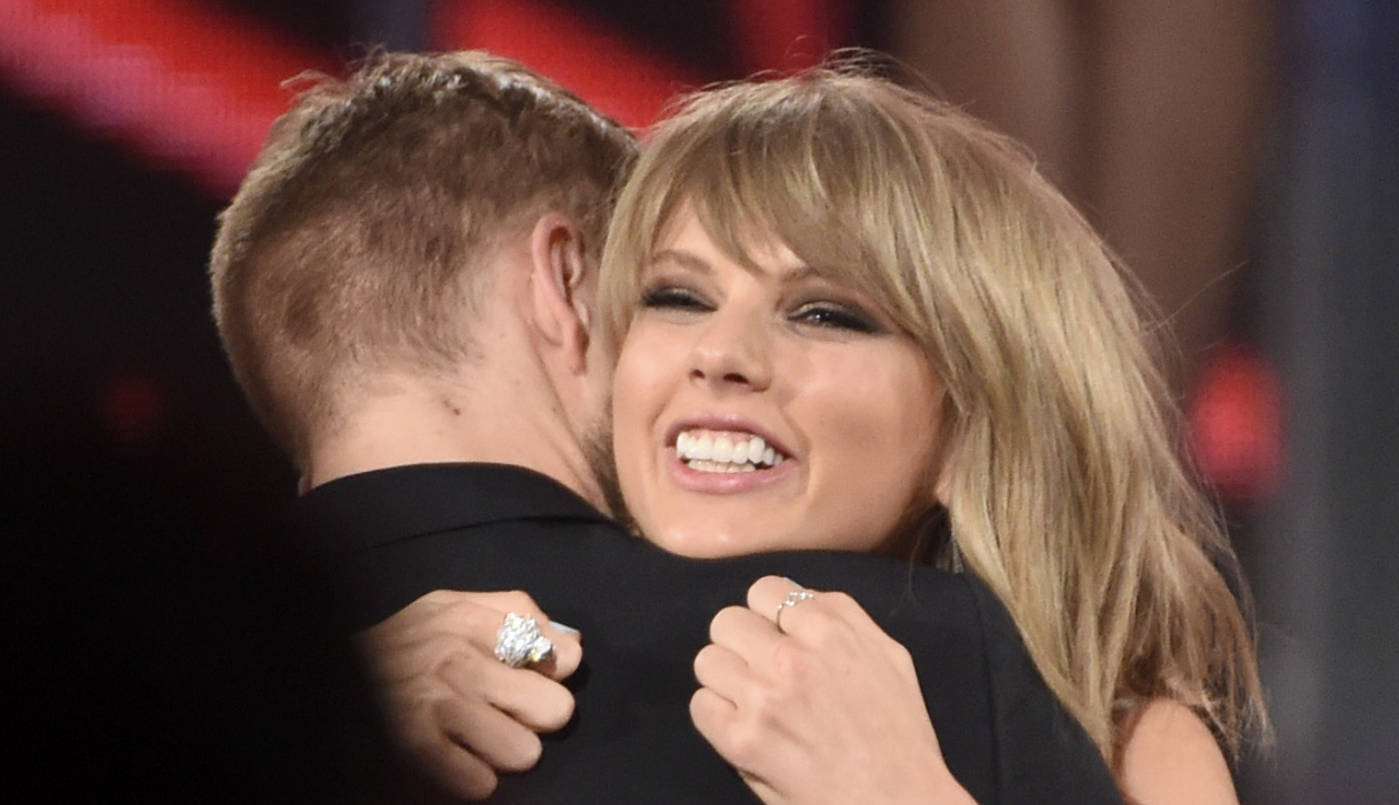 Calvin Harris BREAKS SILENCE on Taylor Swift & Tom Hiddleston Photos!