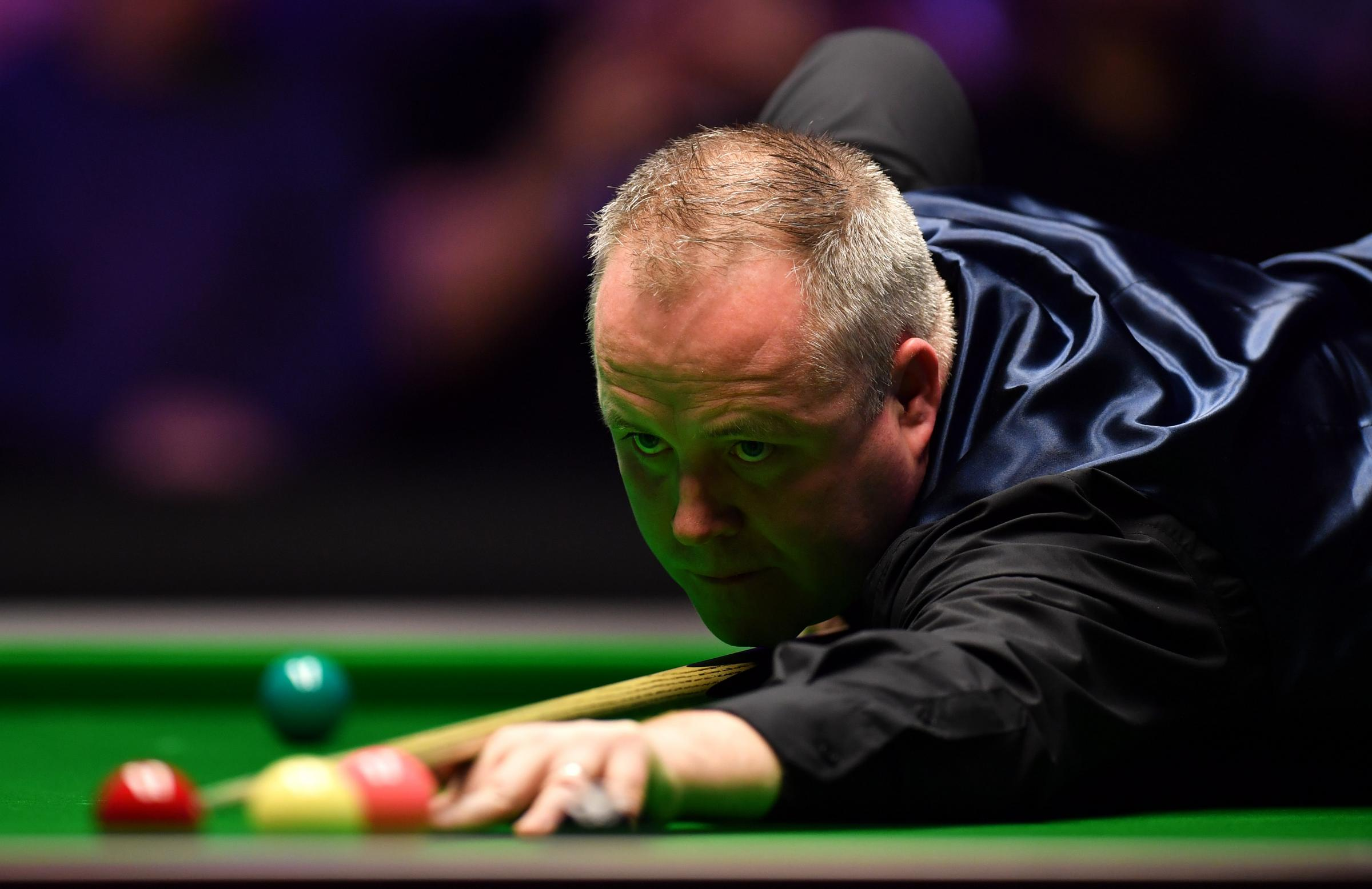 Snooker: Stephen Maguire blows golden chance against Ronnie O'Sullivan